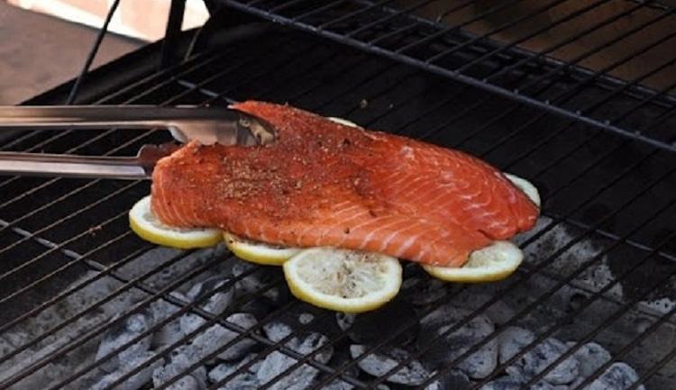 grillet-fisk-paa-citron