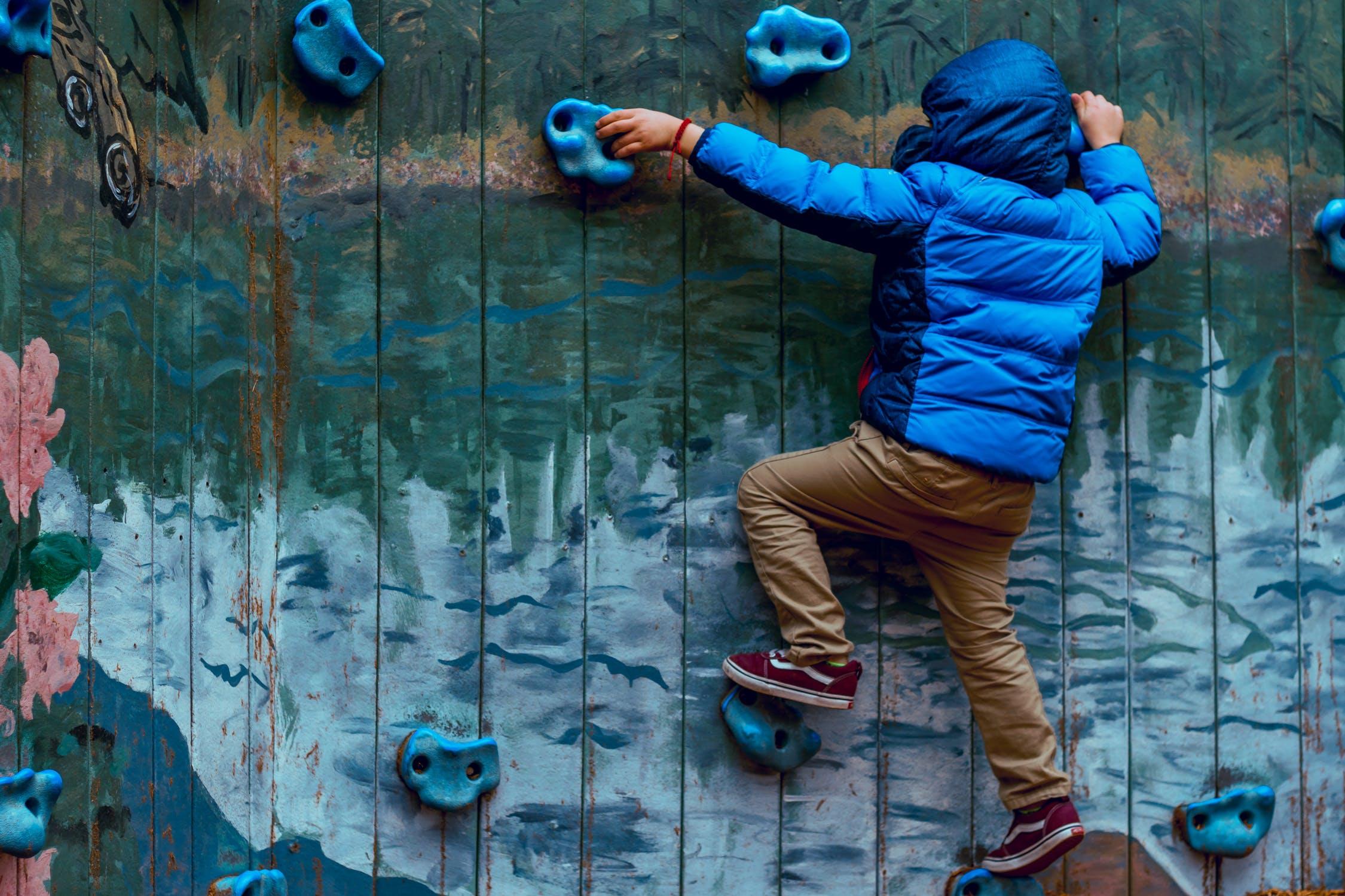 Barn klatre
